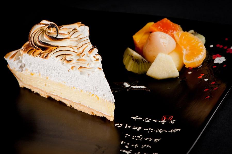 Un dessert, une tarte meringuée