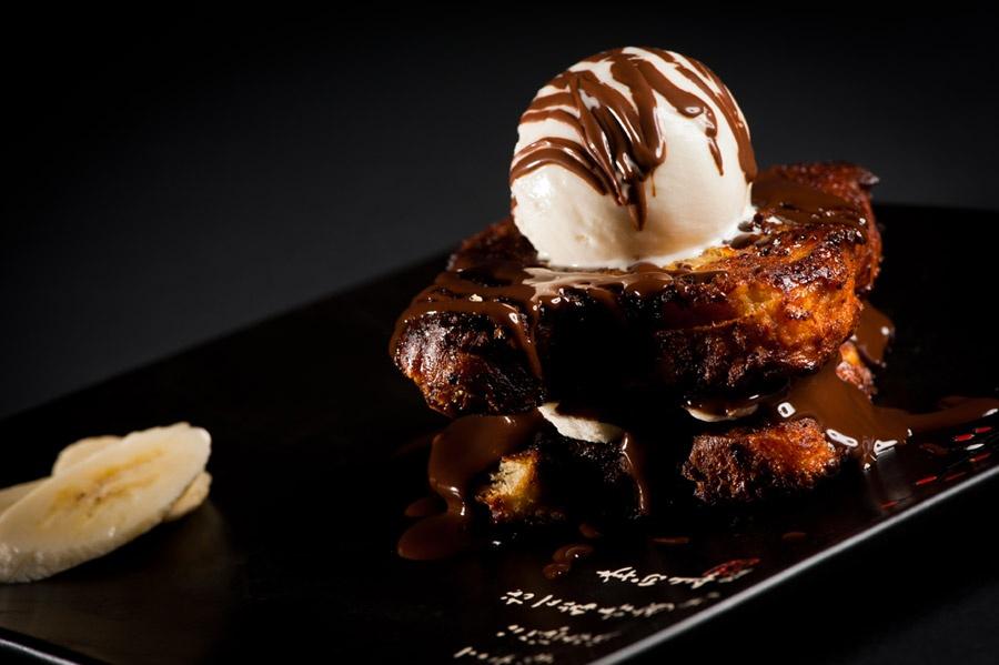 Un dessert: brownie